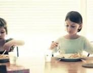 اشتهای کودکان دستخوش تأثیرات رفتار والدین با کودک