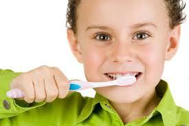 آموزش نگهداری دندان ها به کودک