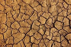 خاک دومین عنصر زندگی بخش و قرار گیری در مرز بحران