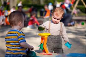 سبد بازی کودک خود را با چه اسباب بازی هایی پر کنیم ؟