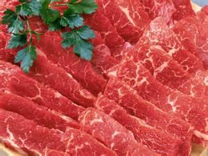 گوشت قرمز از کشتارگاه ها تا بازار و مصارف خانگی