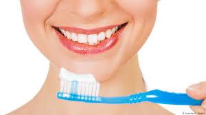 خمیردندان سفید کننده و عوارض متعدد آن برای دندان