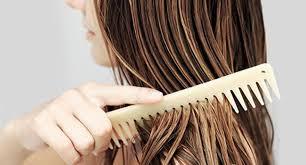 شانه زدن مو را به روش صحیح انجام دهید !