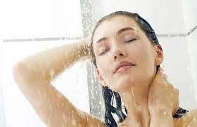 آب سرد چه فواید و مزایایی برای پوست دارد ؟